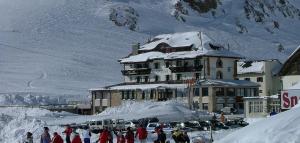 Hotel Savoia - Passo Pordoi, Italië