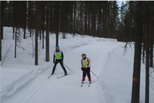 Afdalen op langlauflatten, Finland
