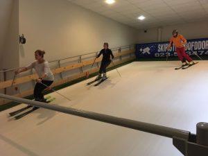 Alpine skiën op een rollerbaan
